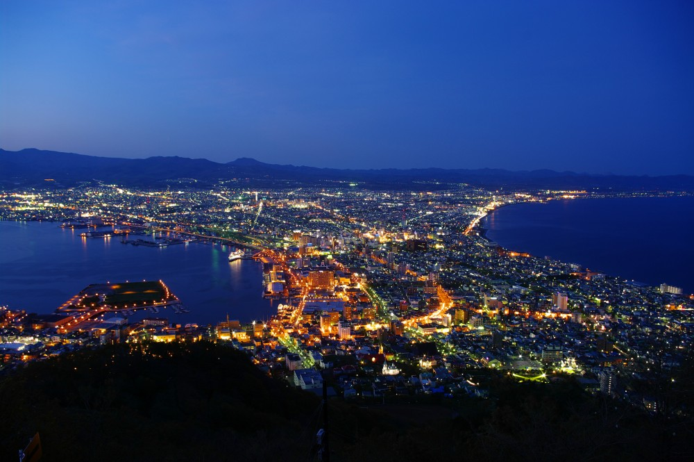 The_night_view_from_Mt_Hakodate-1-1MB
